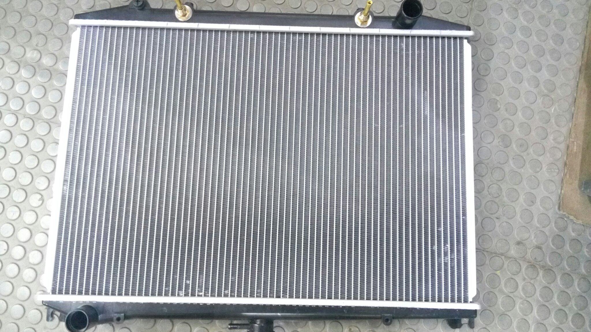 Radiator NI-0041 D21D 01Tony