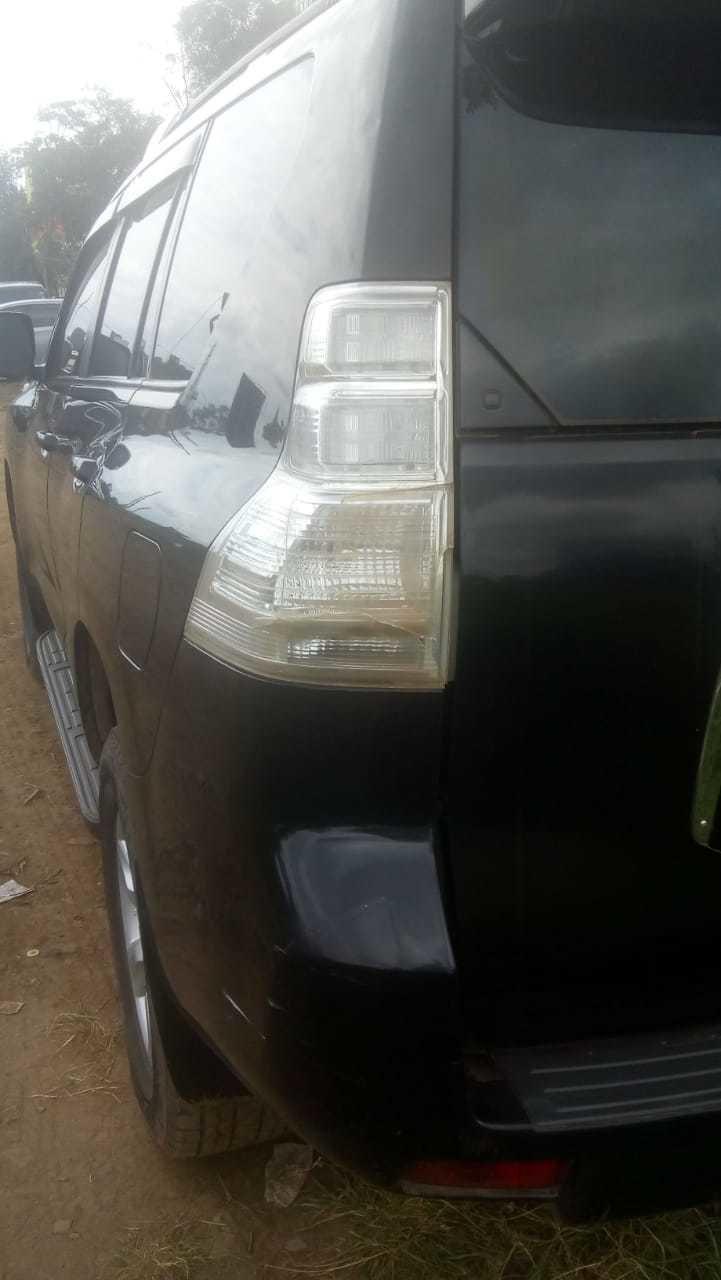 prado 150 tailight 01771