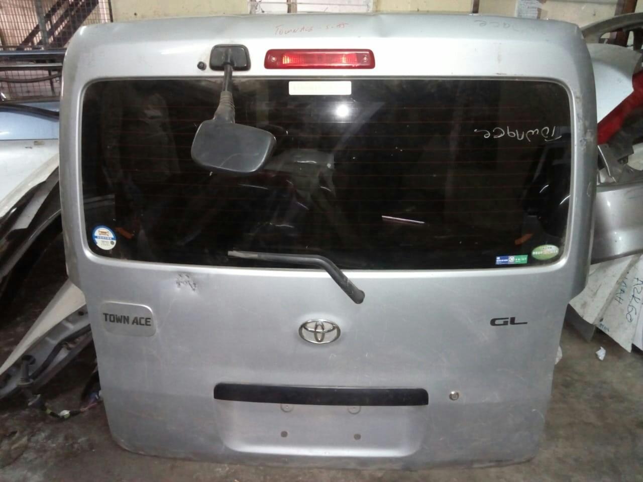 Toyota Townace boot