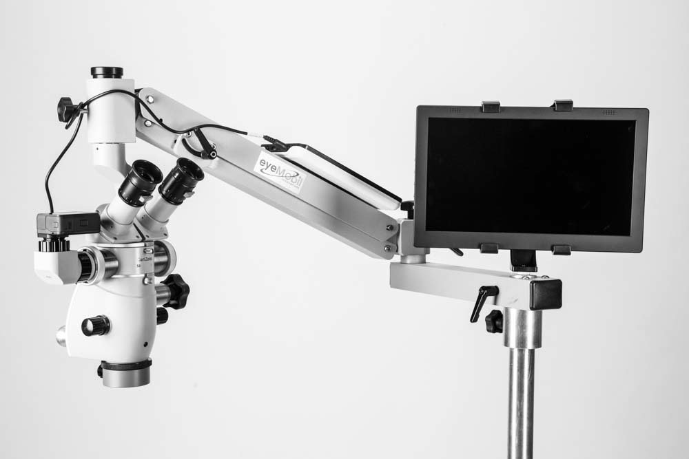 Video system on EPIC Operating Microscope