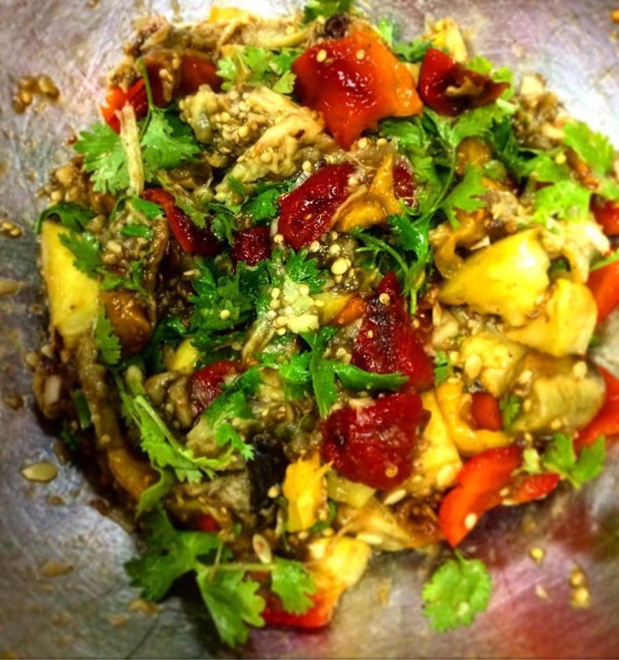Закуска Аджапсандал из запеченных овощей