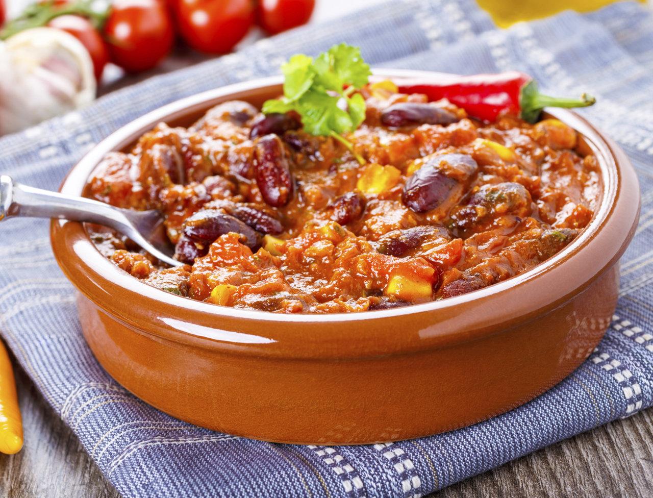 Горячее Чили конкарне с говядиной и фасолью