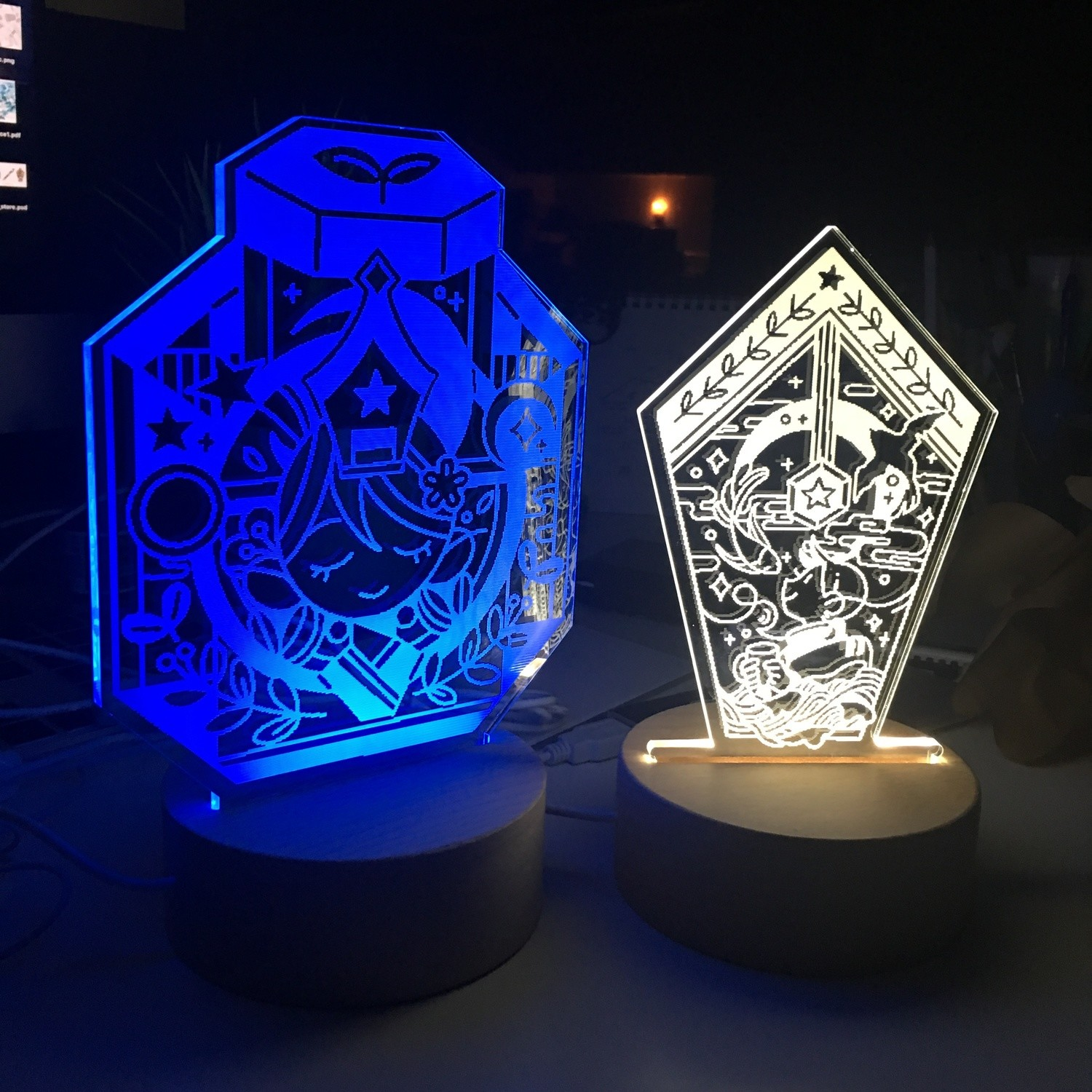 [PreOrder] Bottle/Nib Blue LED Light Stand + 3 Enamel Pins + Sticker Set