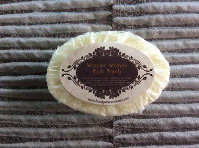 Fizzy Bath Bomb with organic essential oils