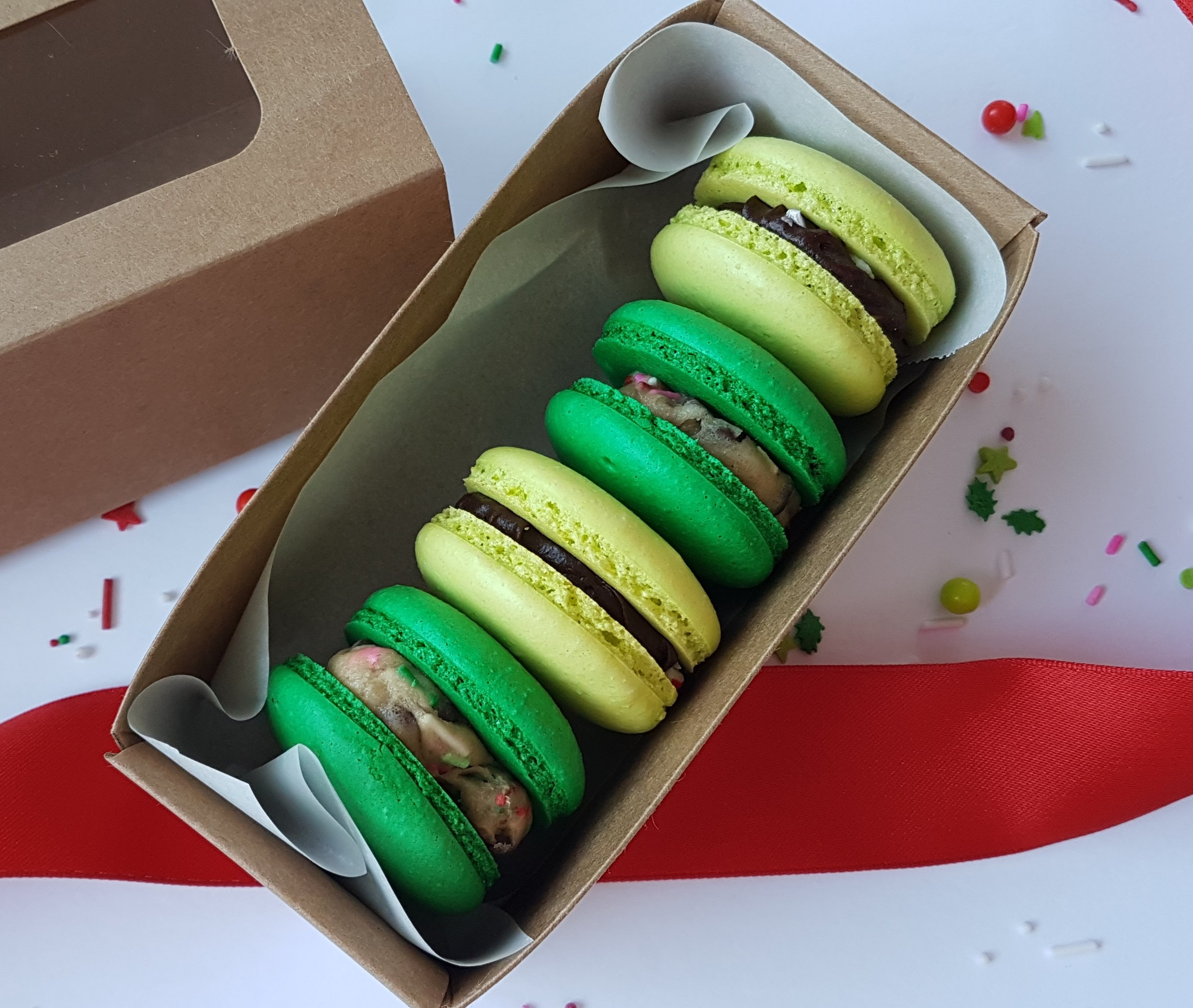 Christmas Cookie Dough & Brownie Batter Candy Cane Macarons 00011