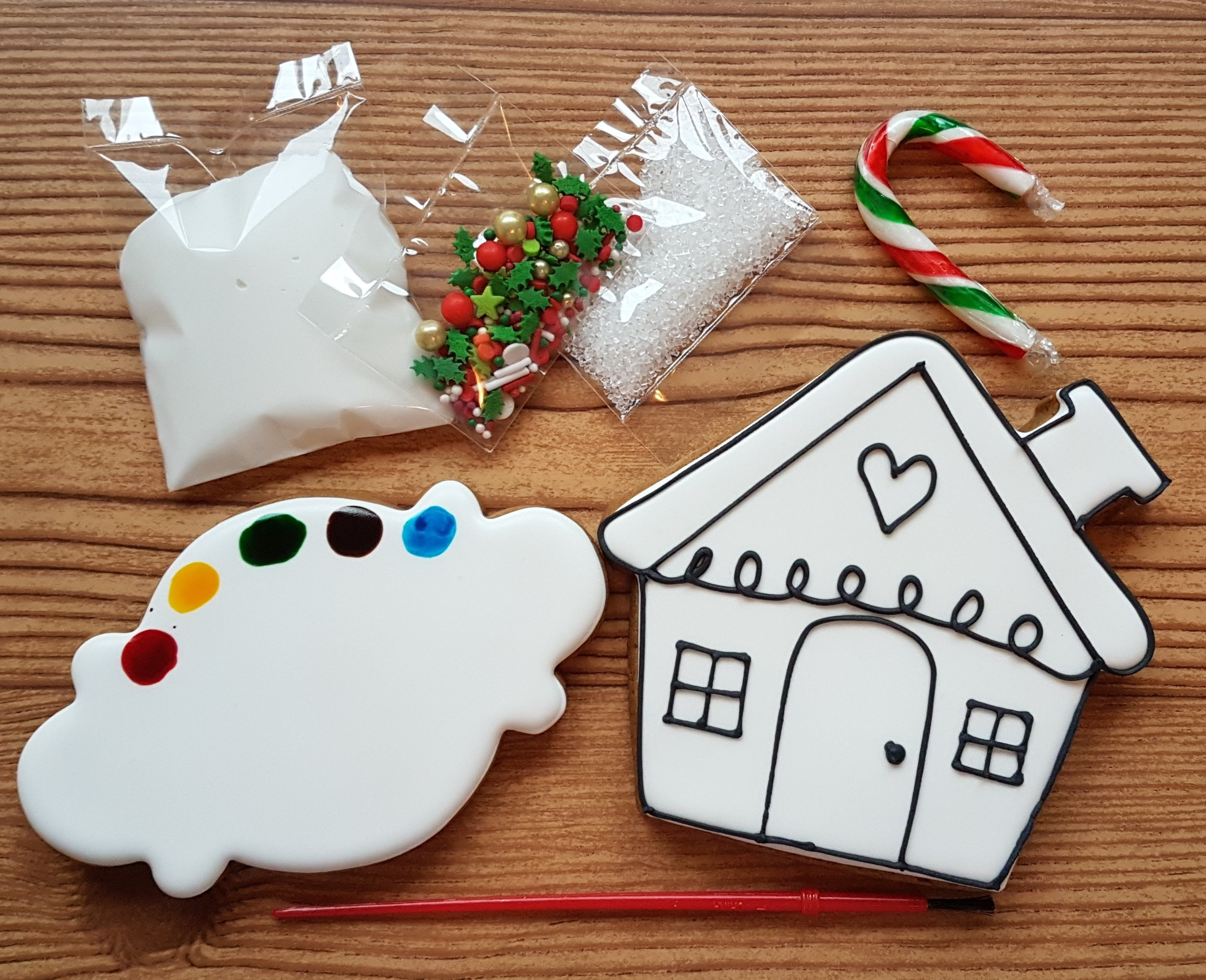 Paint-Your-Own Gingerbread House Kit 00008