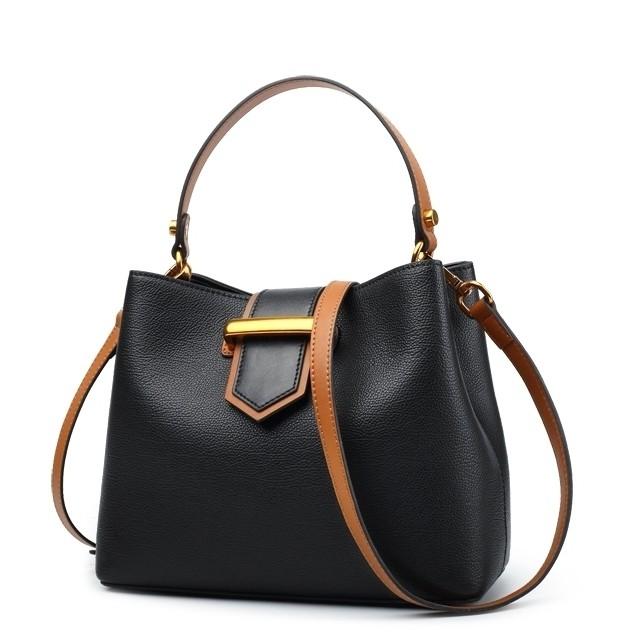 d5c94cd8abfc Сумка жіноча шкіряна чорного кольору/чорна Laorentou, Fashion City