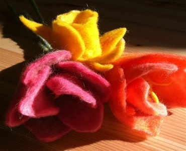Needlefelt Spring Flowers Kit