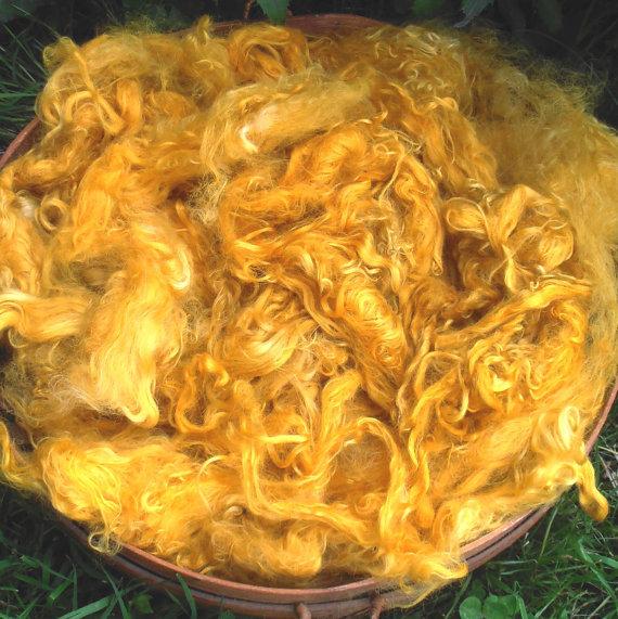 Hand-Dyed Suri Alpaca Fiber, 5 Inches, Honeycomb