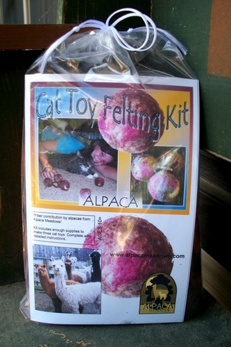 Alpaca Cat Toy Felting Kit AMDWS-100400
