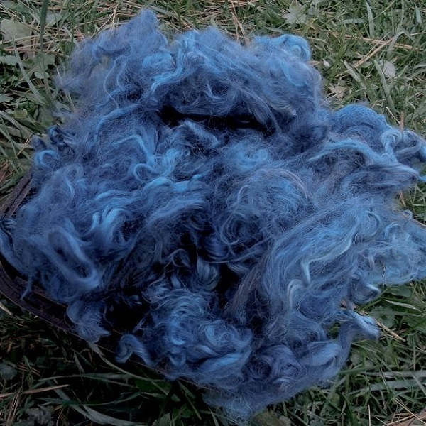 Hand-Dyed Suri Alpaca Fiber, 5 Inches, Musk