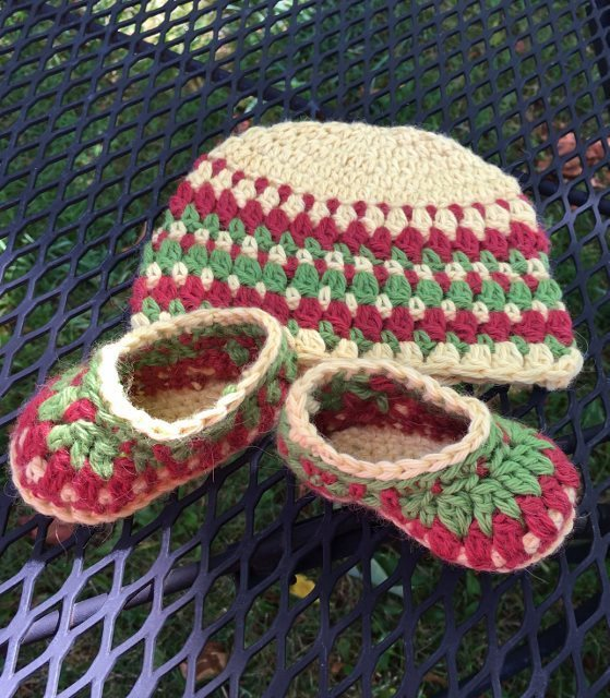 Baby Alpaca Booties and Hat Set - 3 to 6 Months