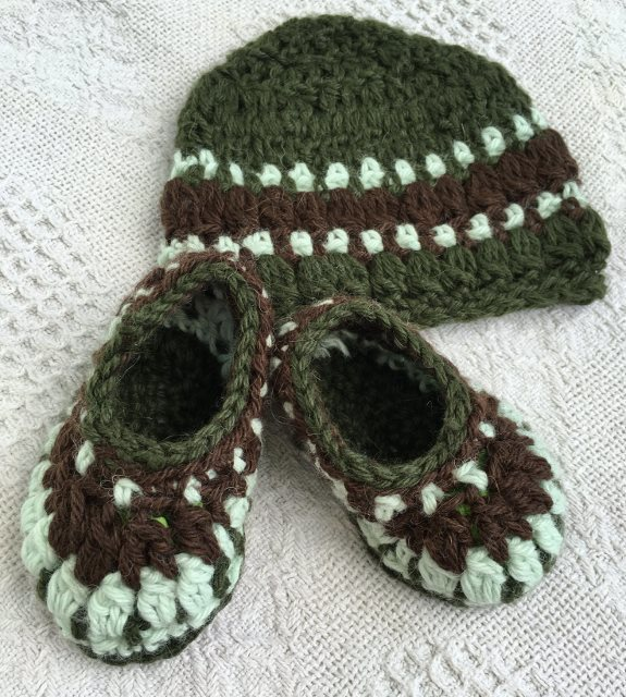 Baby Alpaca Booties and Hat Set - 3 to 6 Months 17938