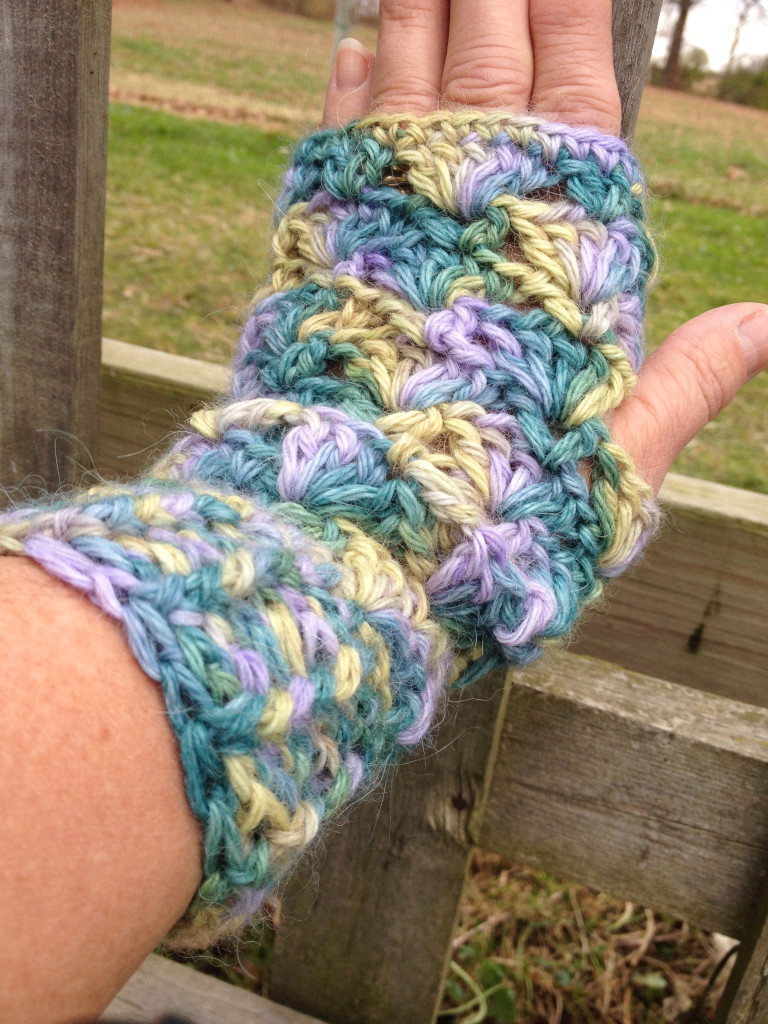Lacey Alpaca Fingerless Mitts - Wisteria Way