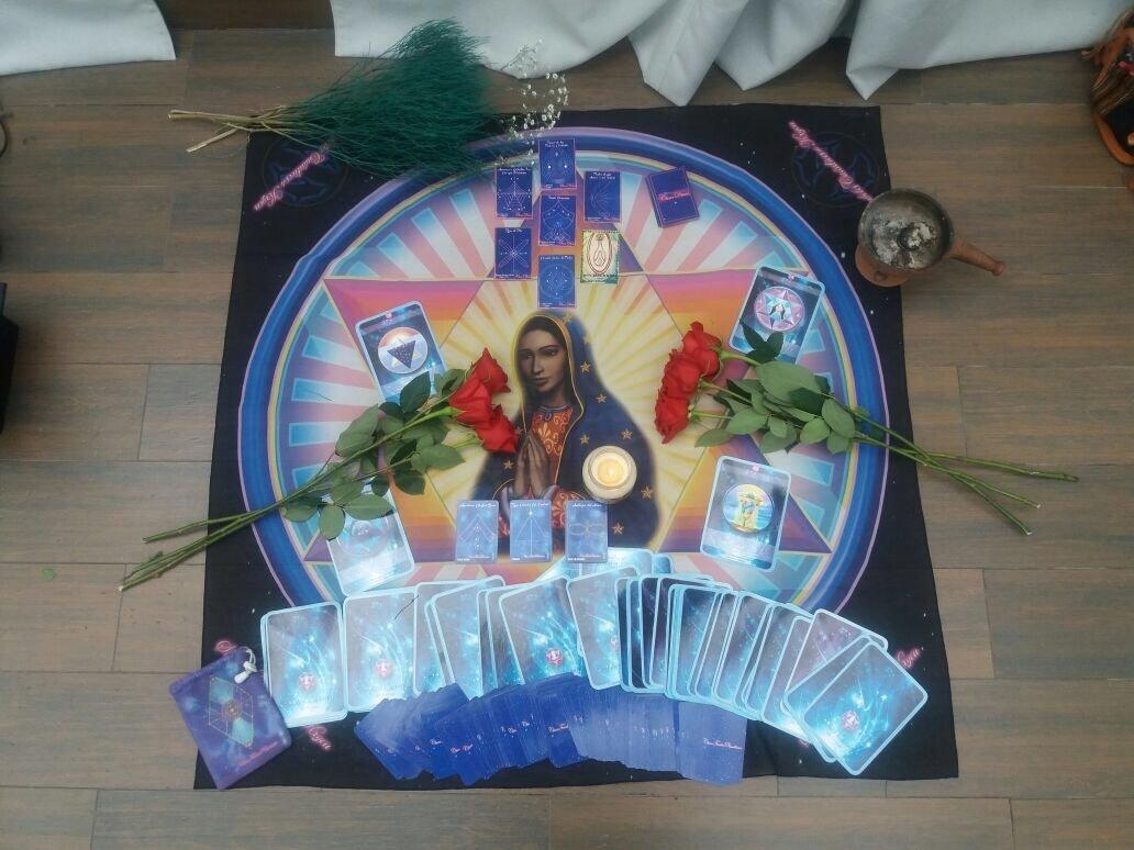 """Pañuelo Símbolo """"Guadalupanos"""" Pañuelo de 1 metro x 1 metro. Hecho en México. Con símbolo cuántico de La Virgen de Guadalupe"""