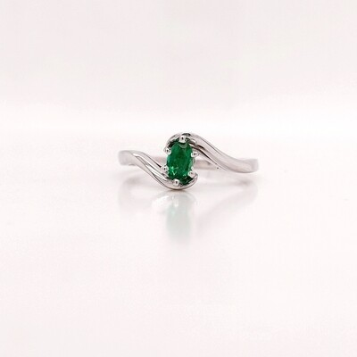 14kt White Gold Emerald Solitaire Ring