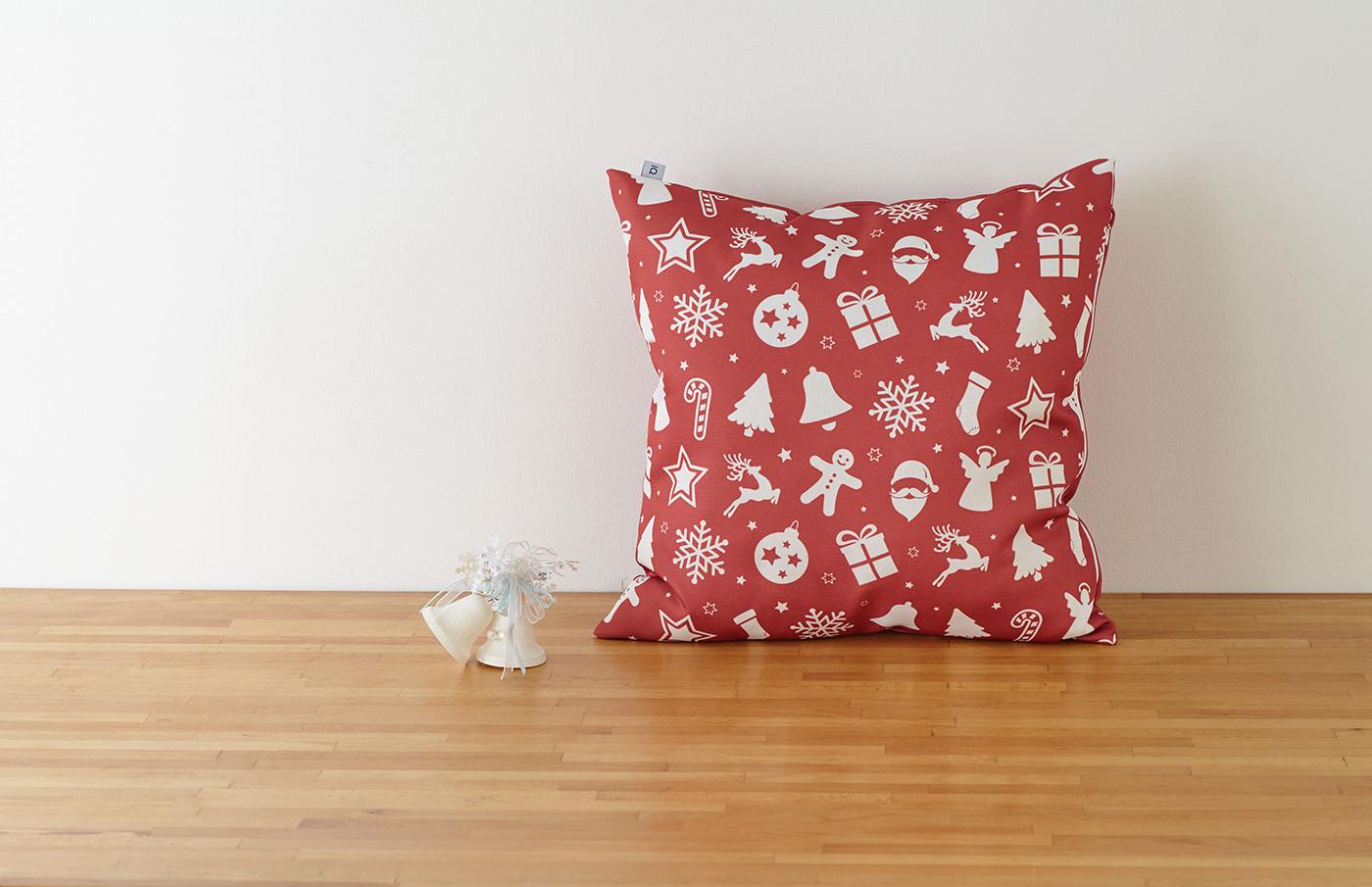 Декоративная подушка новогодняя красная