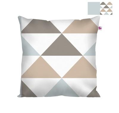Декоративная подушка треугольник