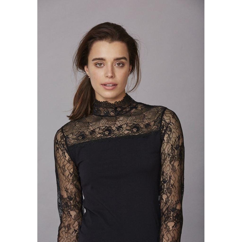 Vanessa blouse black