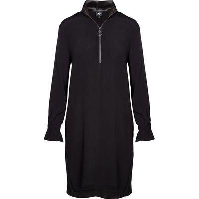 Long-sleeved kjole