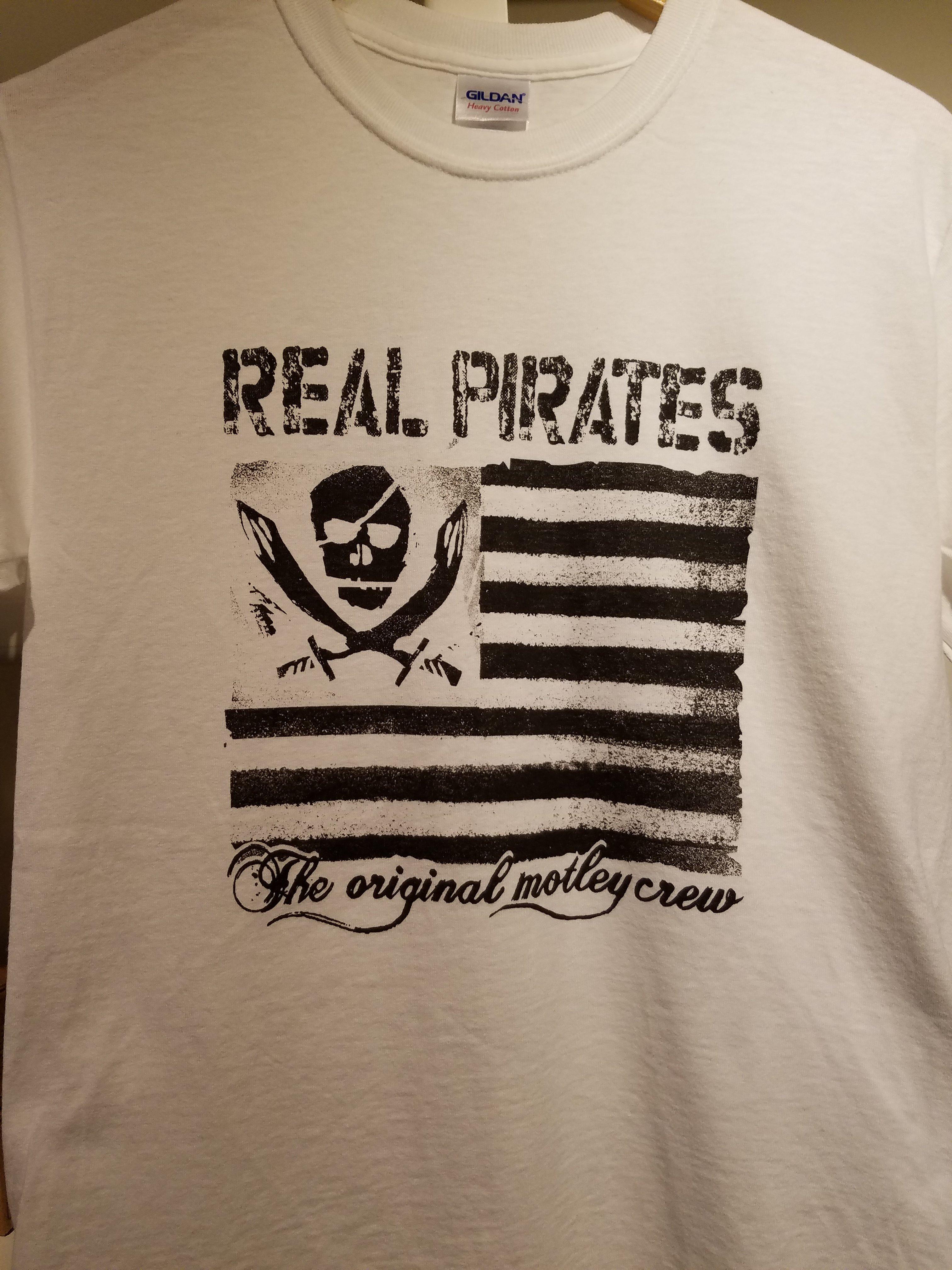 Motley Crew T-shirt Adult 56VV6H3SS2KBP