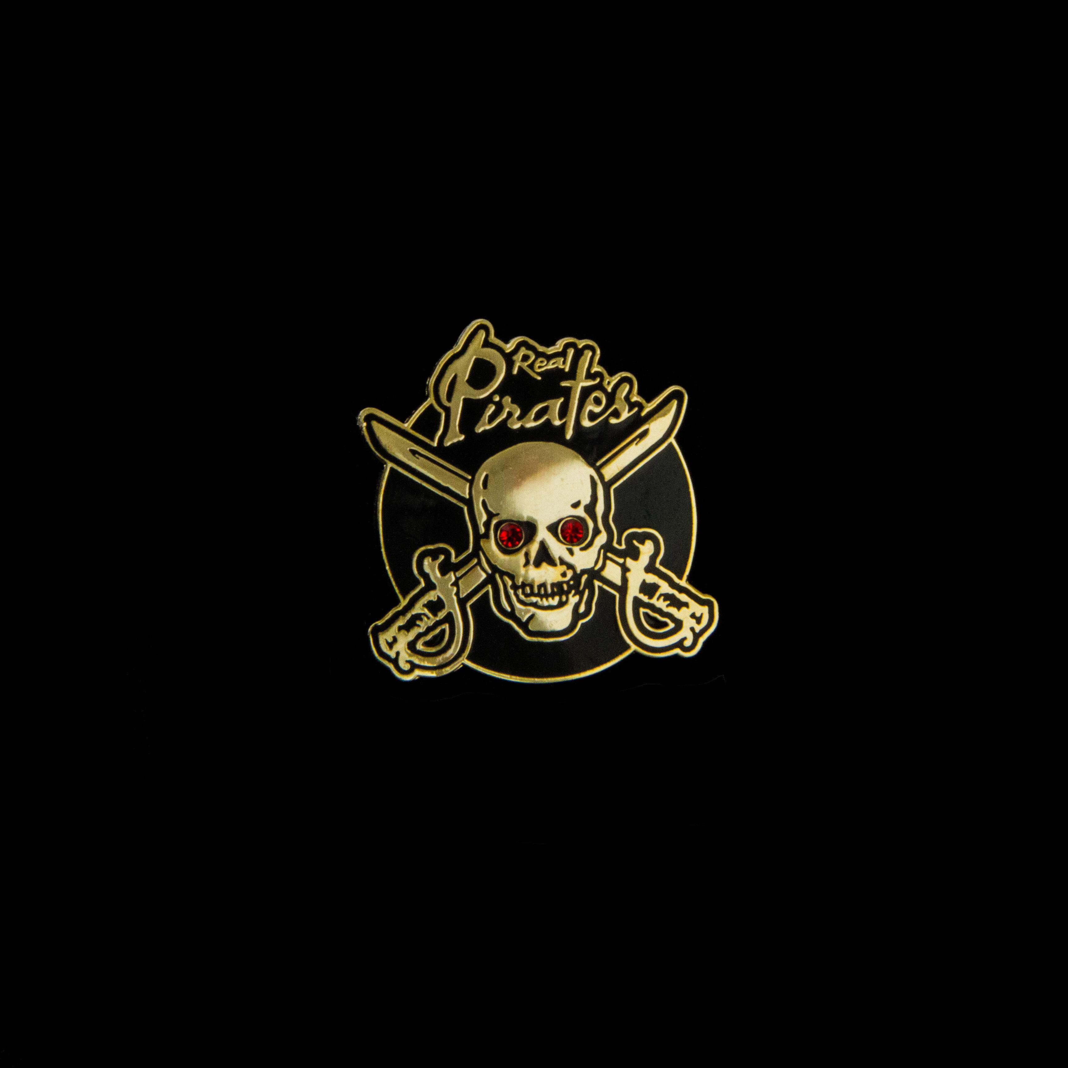 Real Pirates Red stone eye pin 00008