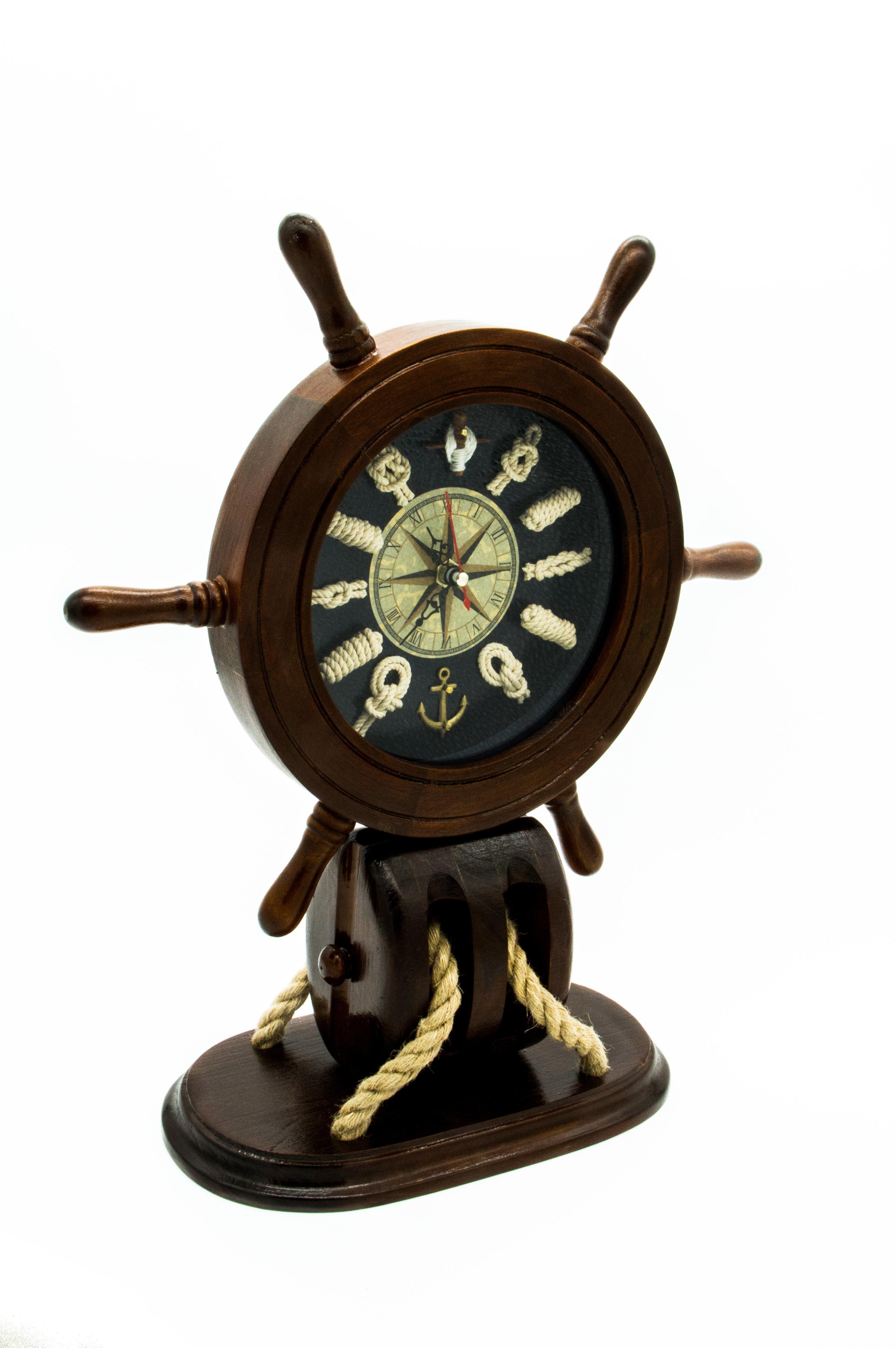 Ships wheel Knot Clock