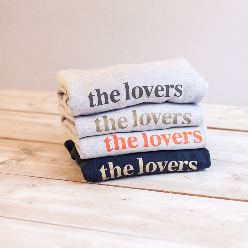 THE LOVERS Sweater – grau / Druck gold