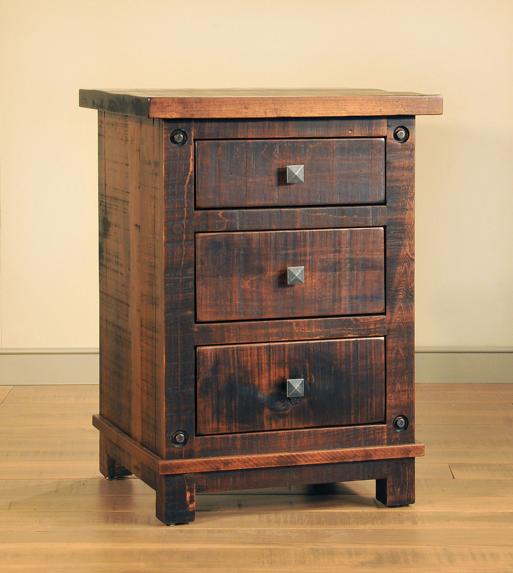 Muskoka Night Stand by Ruff Sawn MKKN2230