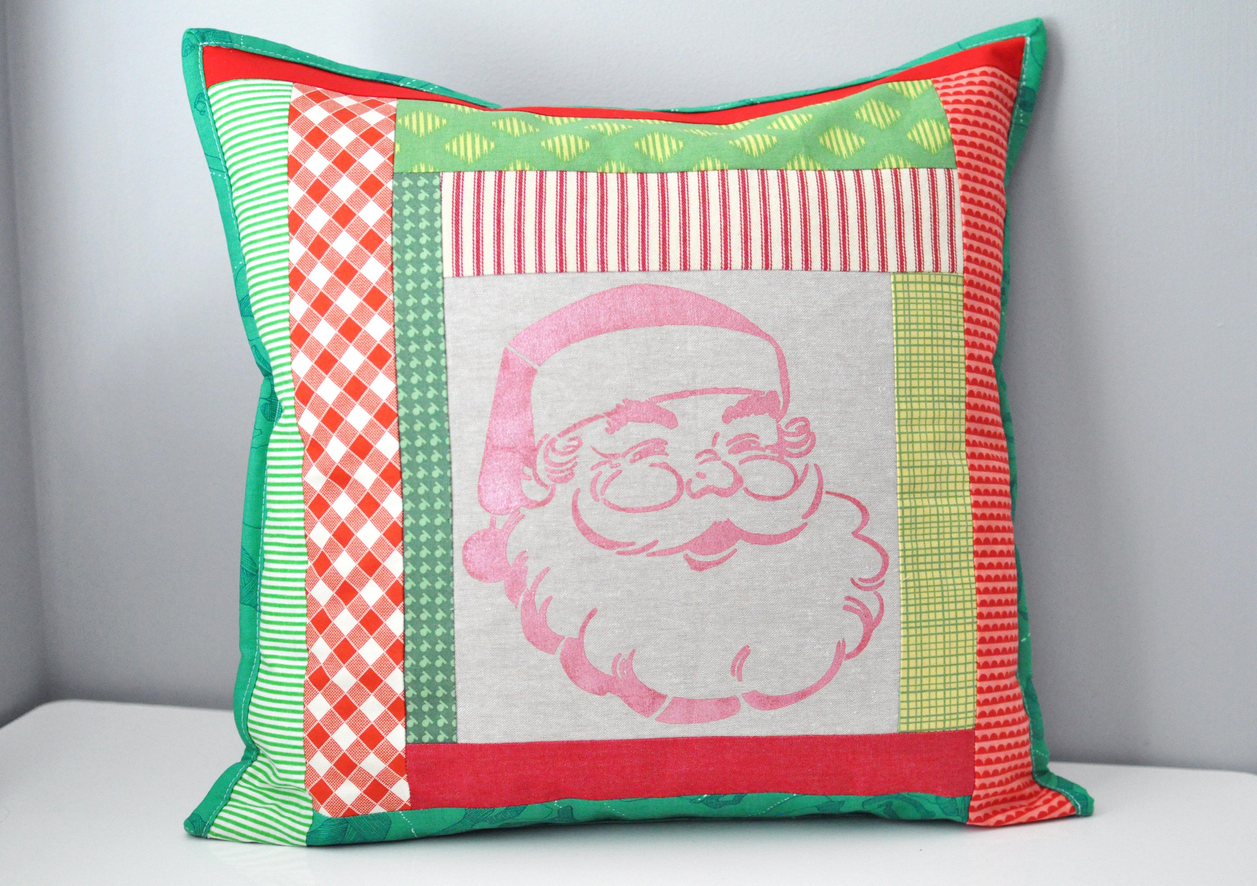Patchwork Santa Pillow 00071