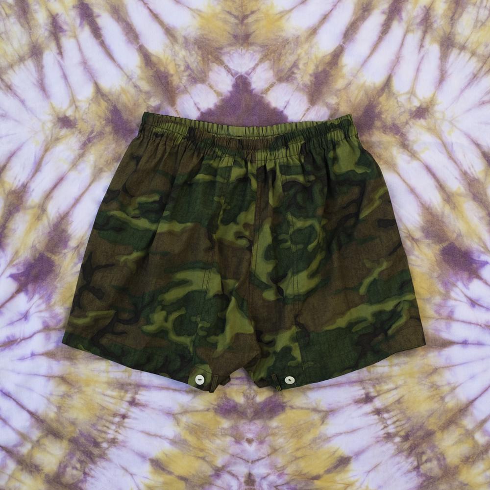 W'menswear Mess Shorts in Camo MST-J