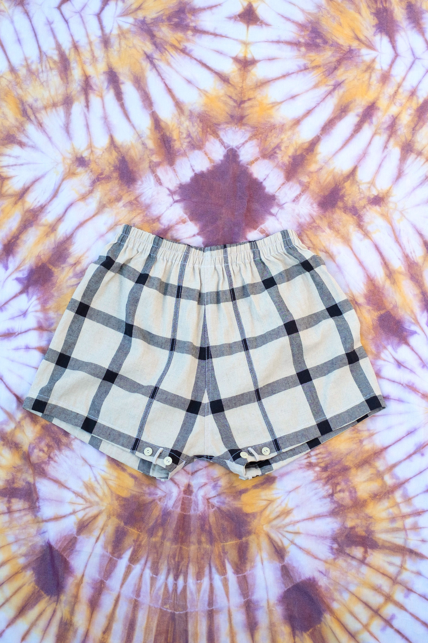 W'menswear Mess Shorts in Check MST-C