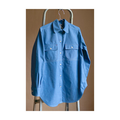 W'MENSWEAR CREW SHIRT IN NASA BLUE