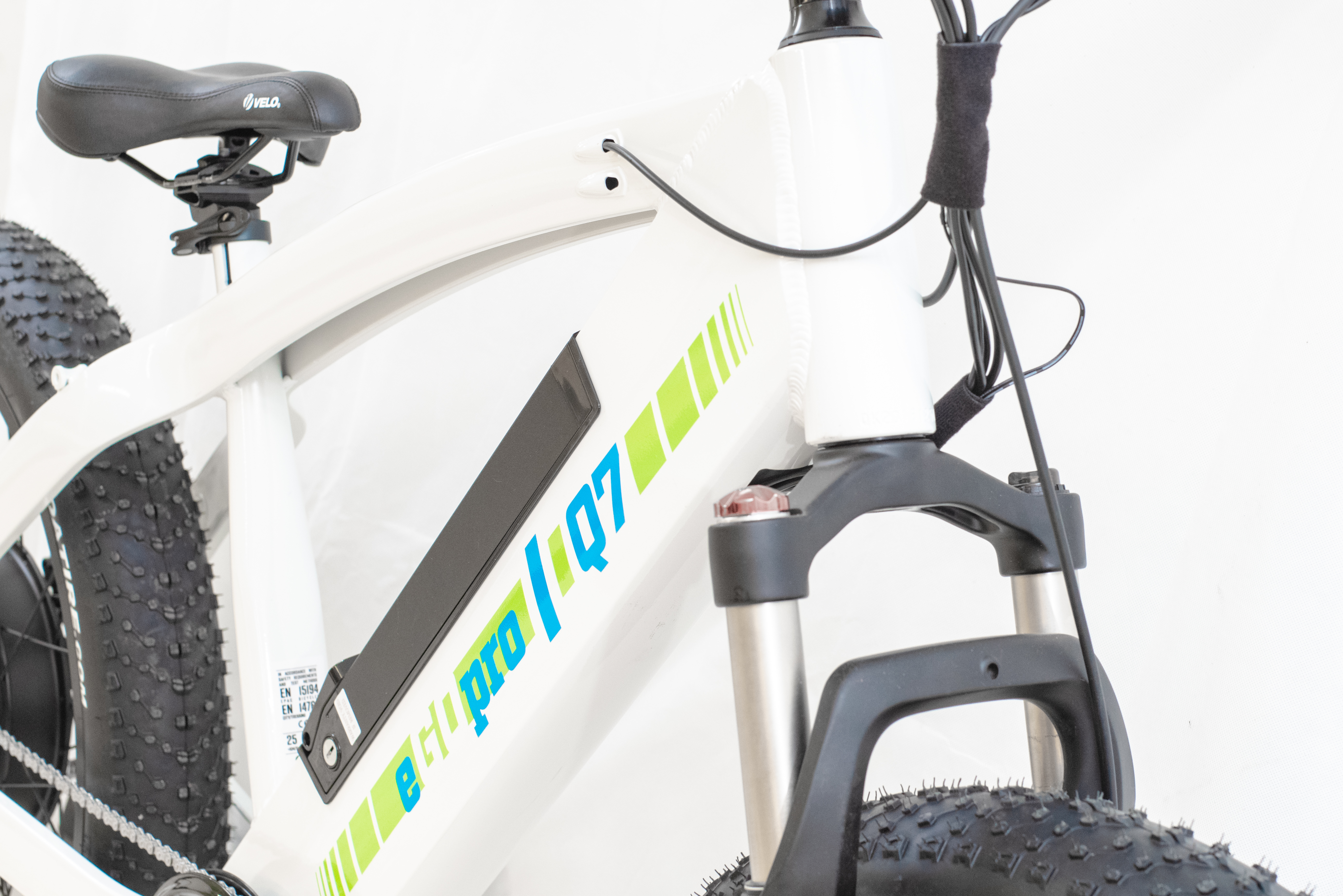 "eGOpro Q7 1000W 48V - ""FATBIKE"" sähköpyörä, valkea"
