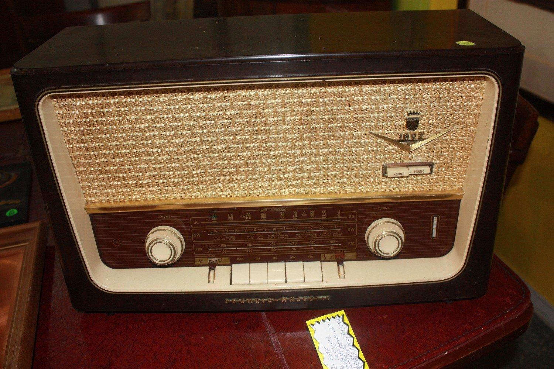Vintage Grundig Majestic Model 1097