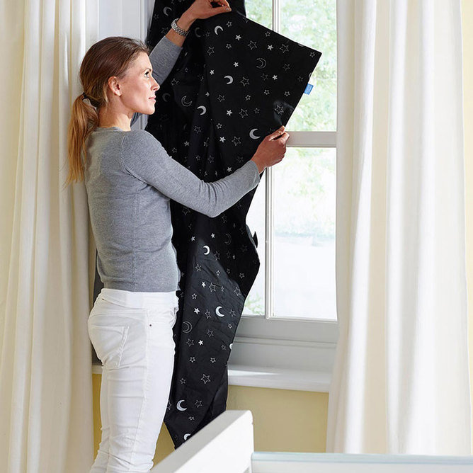 Блэк-аут шторы Gro anywhere blind 130*198 см