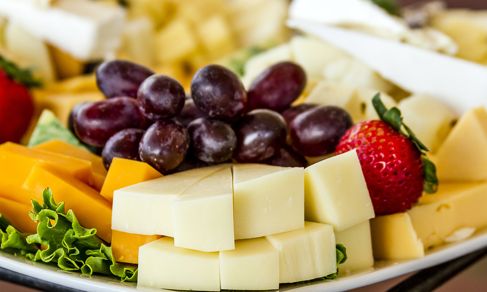Cheese and Fruit Platter 061A053