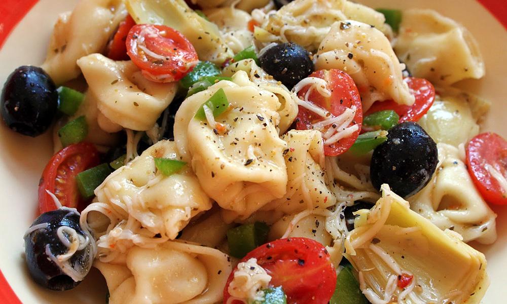 Tortellini Salad (per lb) 061A046-6844