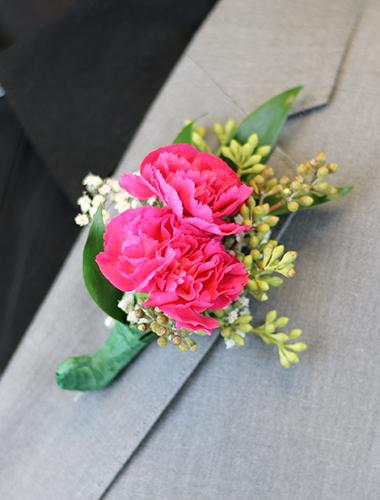 Miniature Carnation Boutonniere 030A138-6401