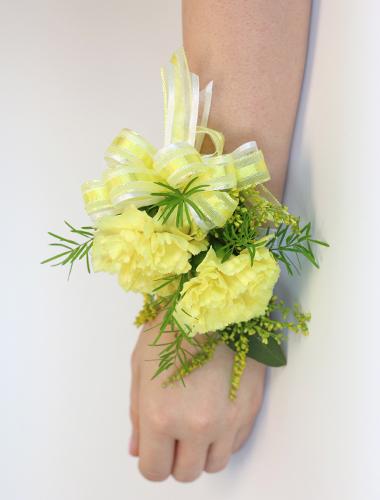 Double Carnation Wristlet