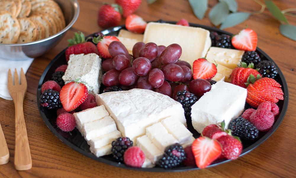 Local Artisanal Farmstand Cheese Platter 071A085