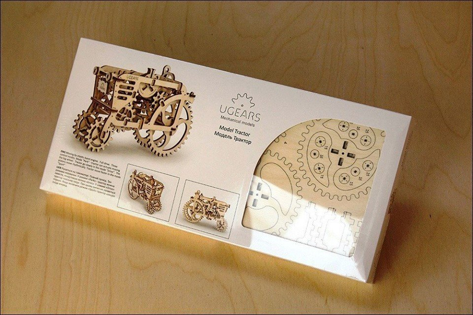 UGEARS - Tractor - Mechanical Model Construction