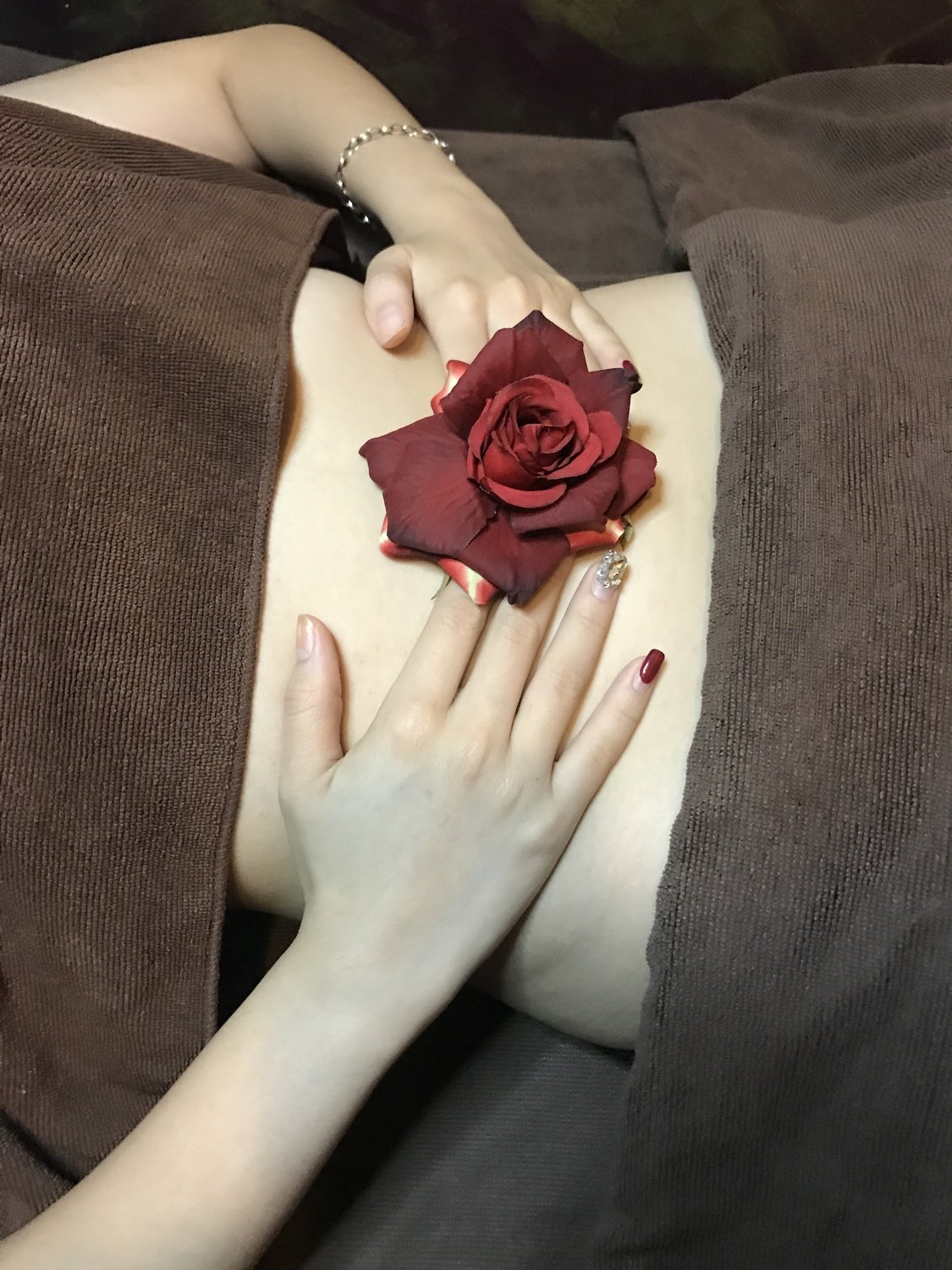 Crystal Rose Hormonal Re-balancing Therapy (Face to Body)