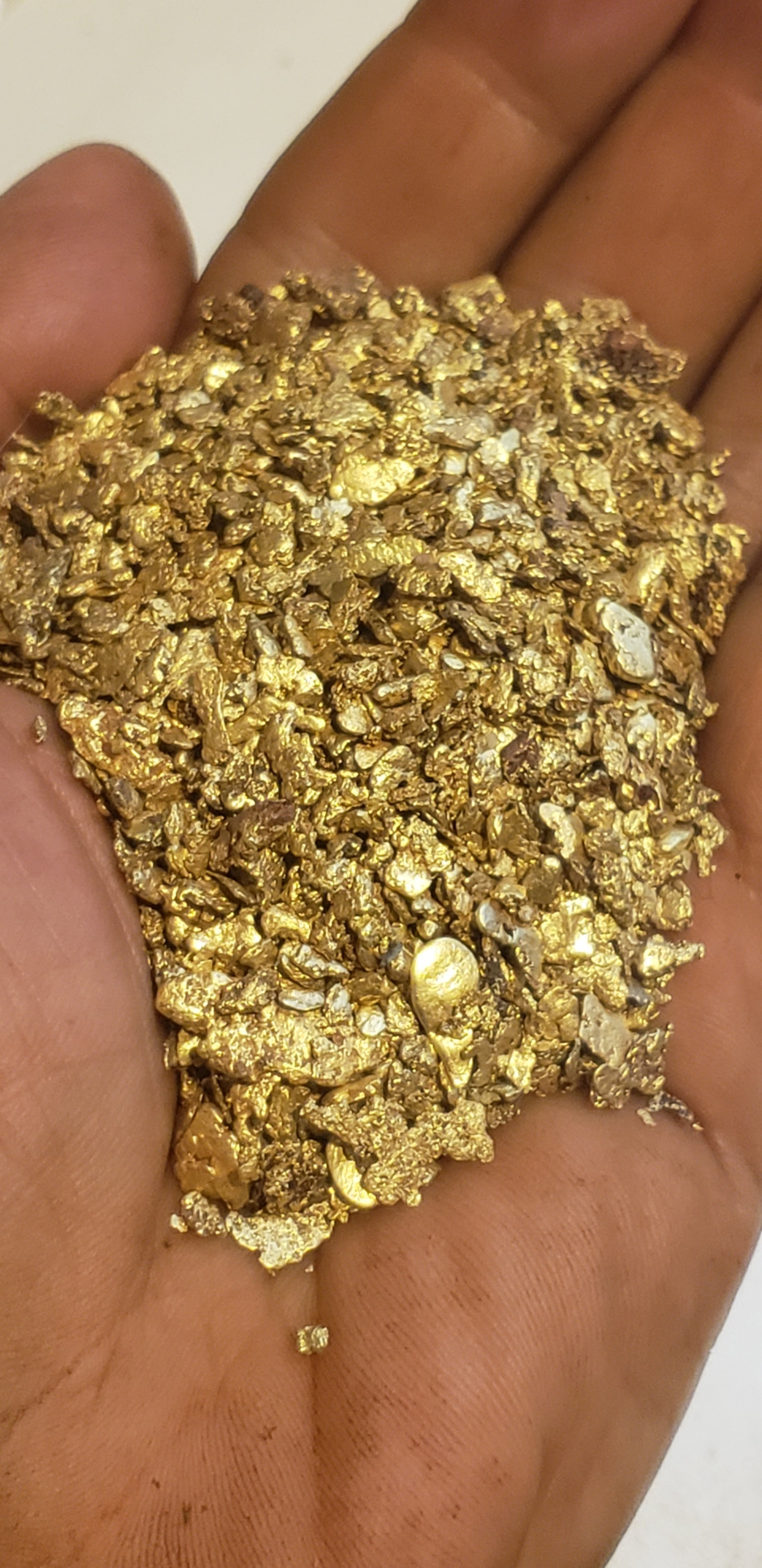 Mixed gold nuggets 00186