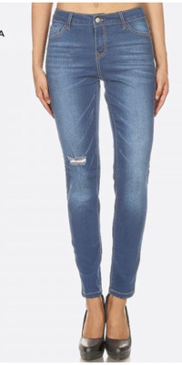 Distressed Medium Wash Skinny Jegging With Button And Zipper