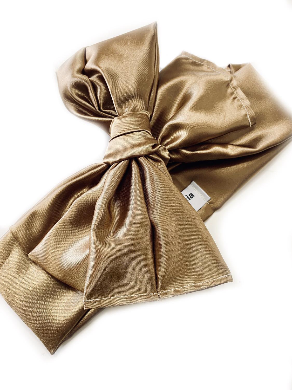 Turbante marrón brillante
