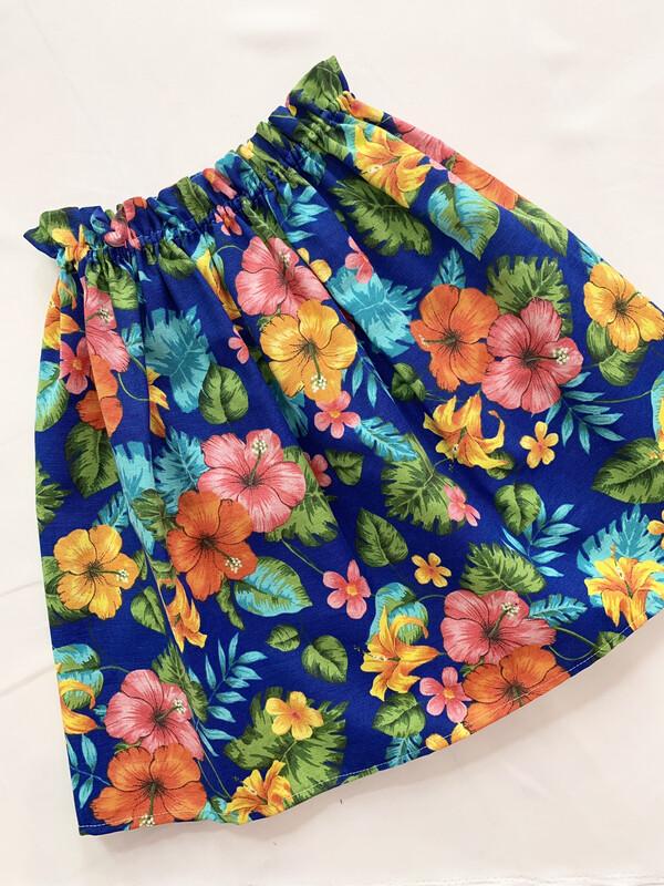 Falda azul flores