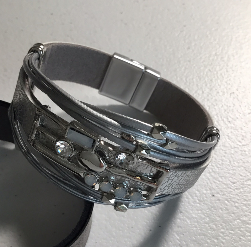 Gray Leather with Crystals Magnetic