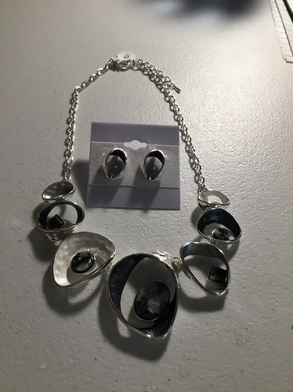 Silver/Black Circles Necklace Set