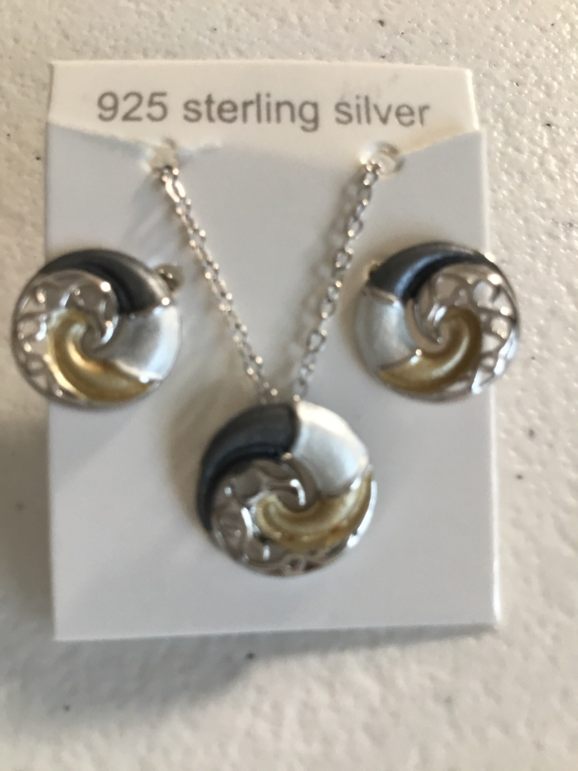 Tri-Color Sterling Silver Yin yang Wave Necklace And Earring Set